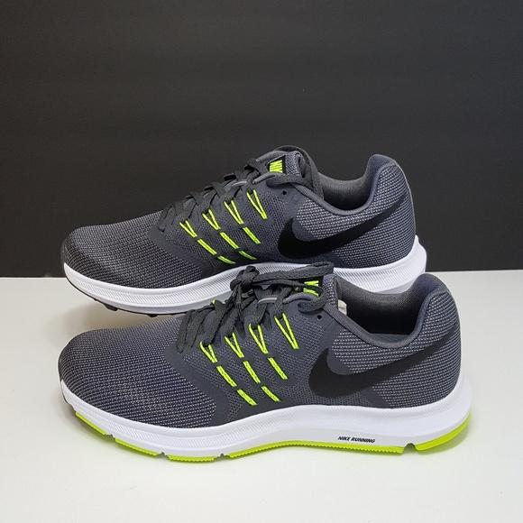 55c55a18 Nike Men's Run Swift Running Shoes NWT